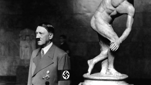 06 Hitler-artworks